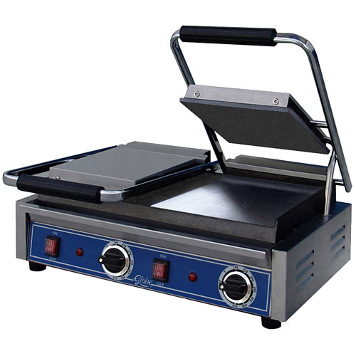 Globe Bistro Series Panini Double Grill w/ Smooth Plates GSGDUE10