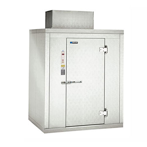 "Master-Bilt Indoor Step-in Freezer - 64"" 1 HP CL-5-100"